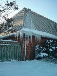 roof.net-valley-leak-repair-va-ice-dam