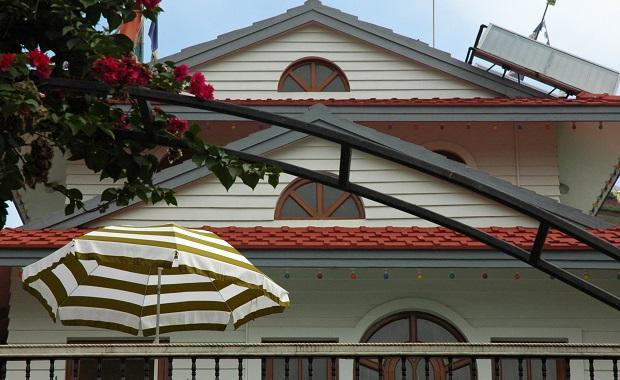 Snappy Roof Repair in Dulles VA