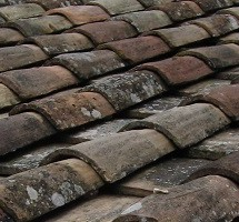 Old-Style Roofing: Clay